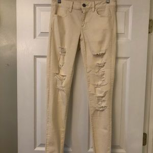 NWOT AE Destroyed Stretch Jegging Size 4